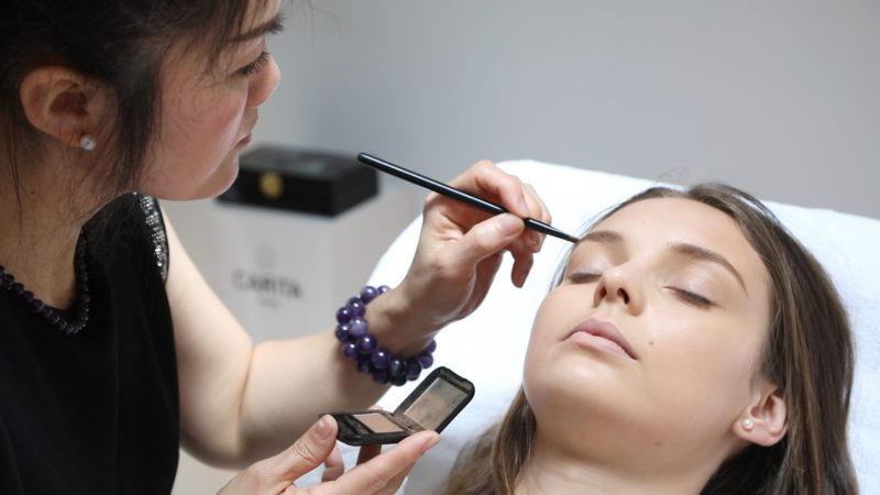 Maquillage chez Suong Bien être
